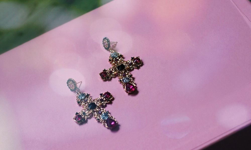 cross_earrings