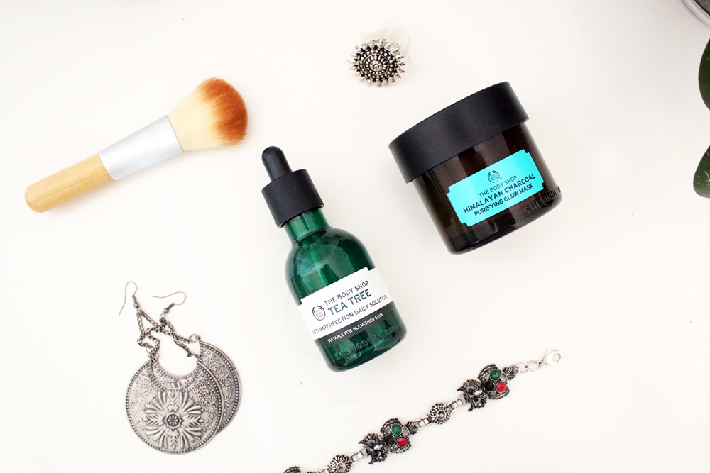 Review The Body Shop: Purifying Glow Mask & Tea Tree Daily Solution